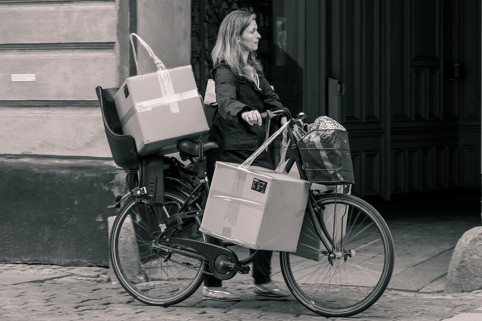 Amanda Graham - Three boxes on a bike 0205 - 9425418817_6e439d67f9_h.jpg
