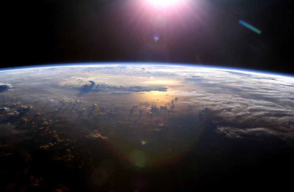 Pacific Ocean from Space - blueforce4116 - 1398245798_e5e430312c_b.jpg