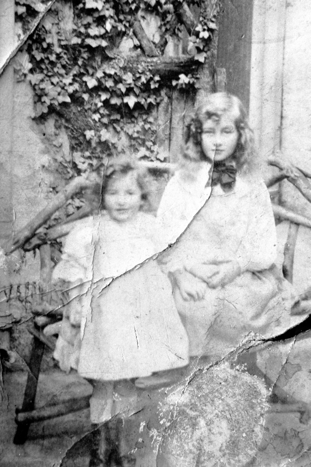 Dixons Horse Market Chapel Street Dorothy 9 years 1908 0104.JPG