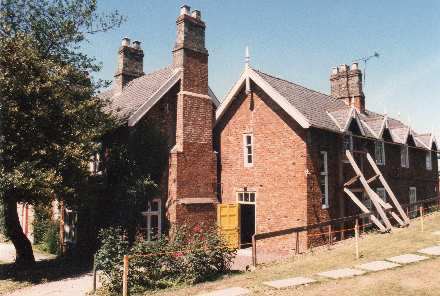 Grove House001.jpg