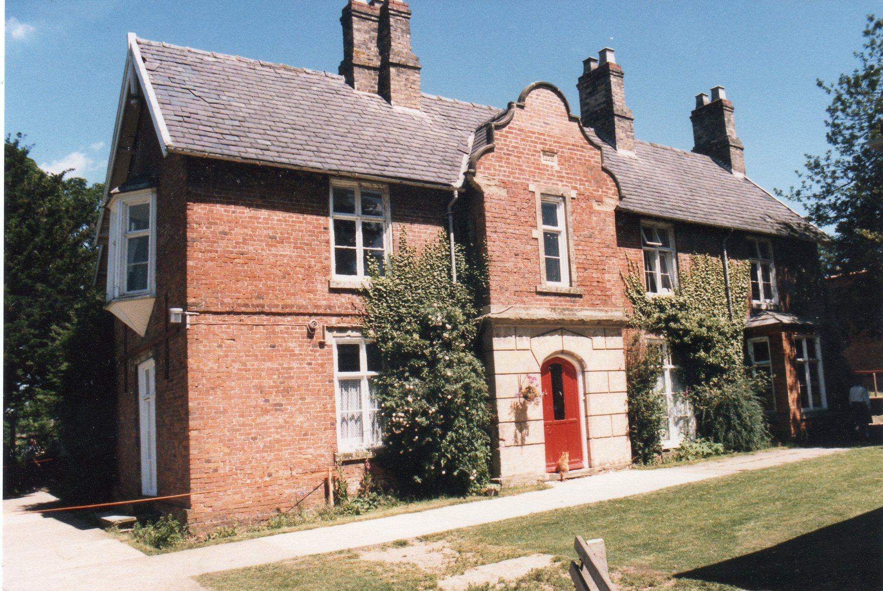 Grove House002.jpg