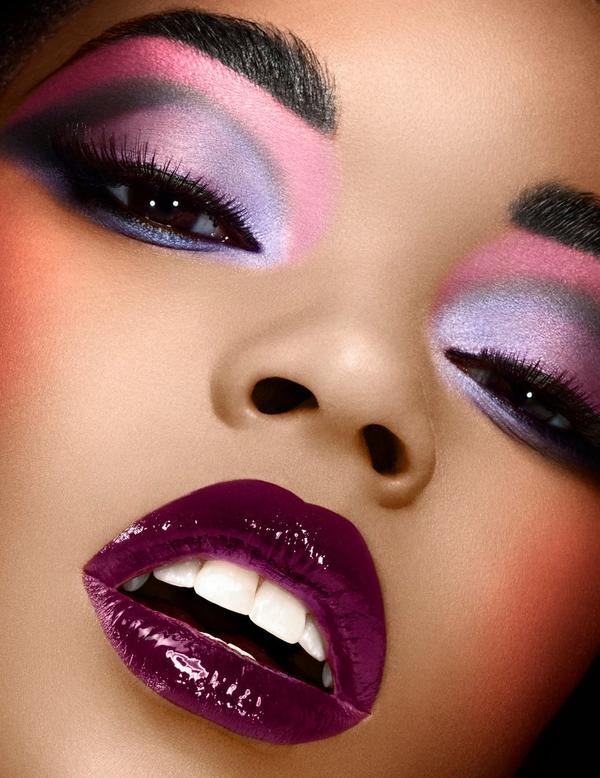 ទម្លាប់តុបតែងមុខ(Makeup) ៤ យ៉ាង ដែលអាចបង្គគ្រោះថ្នាក់ដល់ស្បែករបស់អ្នក
