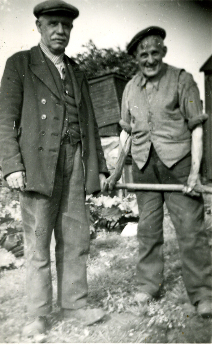 Cyril Callow on left.jpg