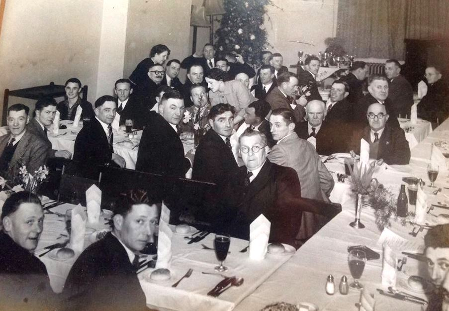 1953 Dinner at Red Lion.jpg