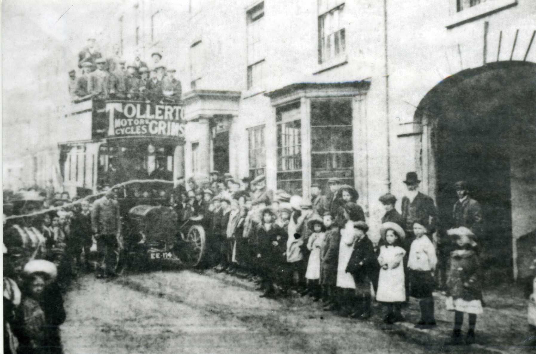 first bus 10th july 1906 122.jpg