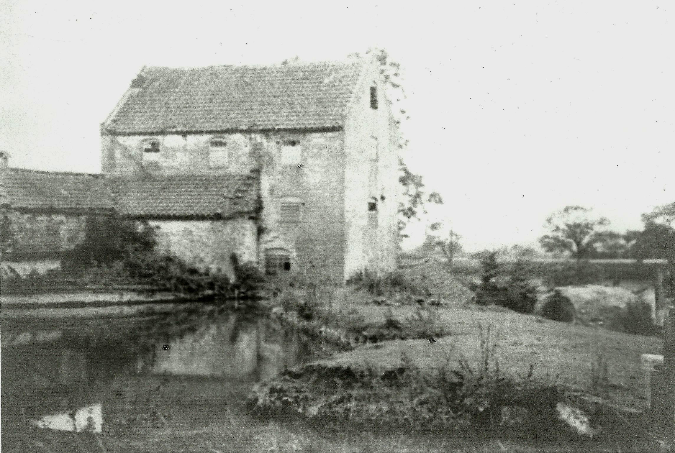 Caistor__Watermill__Lincs__1911[1].jpg