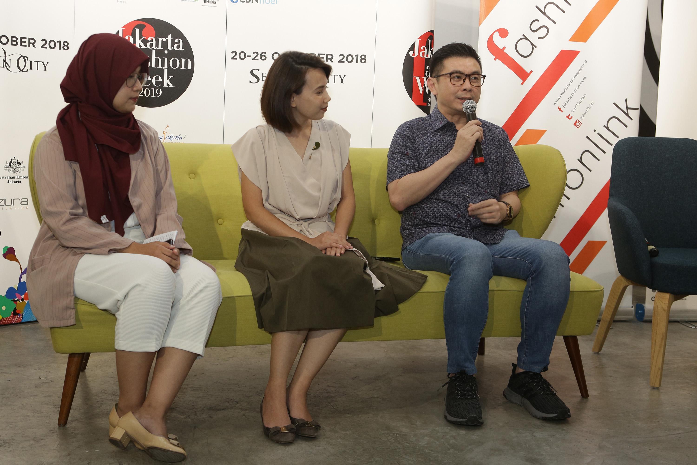 Sabrina Diandra (Brand Leader Pond's Age Miracle), Yaumi Fauziah (Marketing Lead Style Theory), Iko Futanto (Chroma Project) (2).jpg