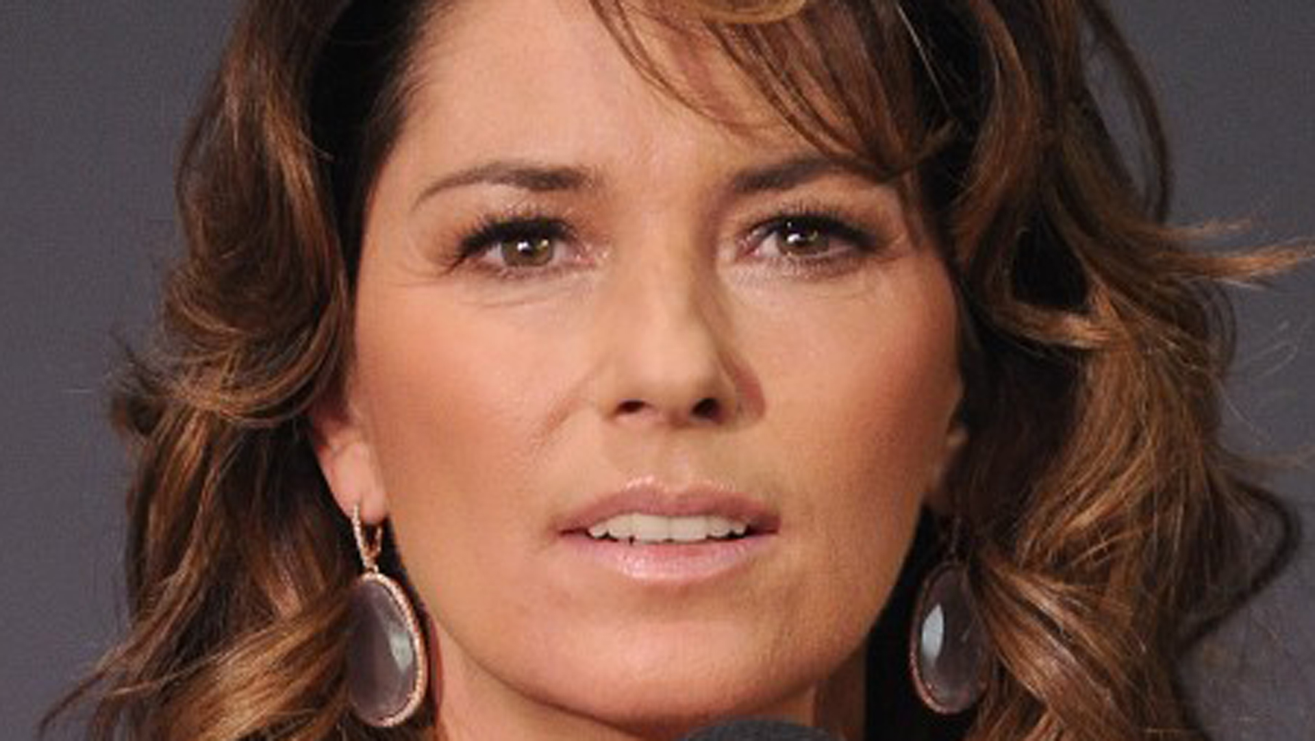 The Real-Life Tragic Story Of Shania Twain