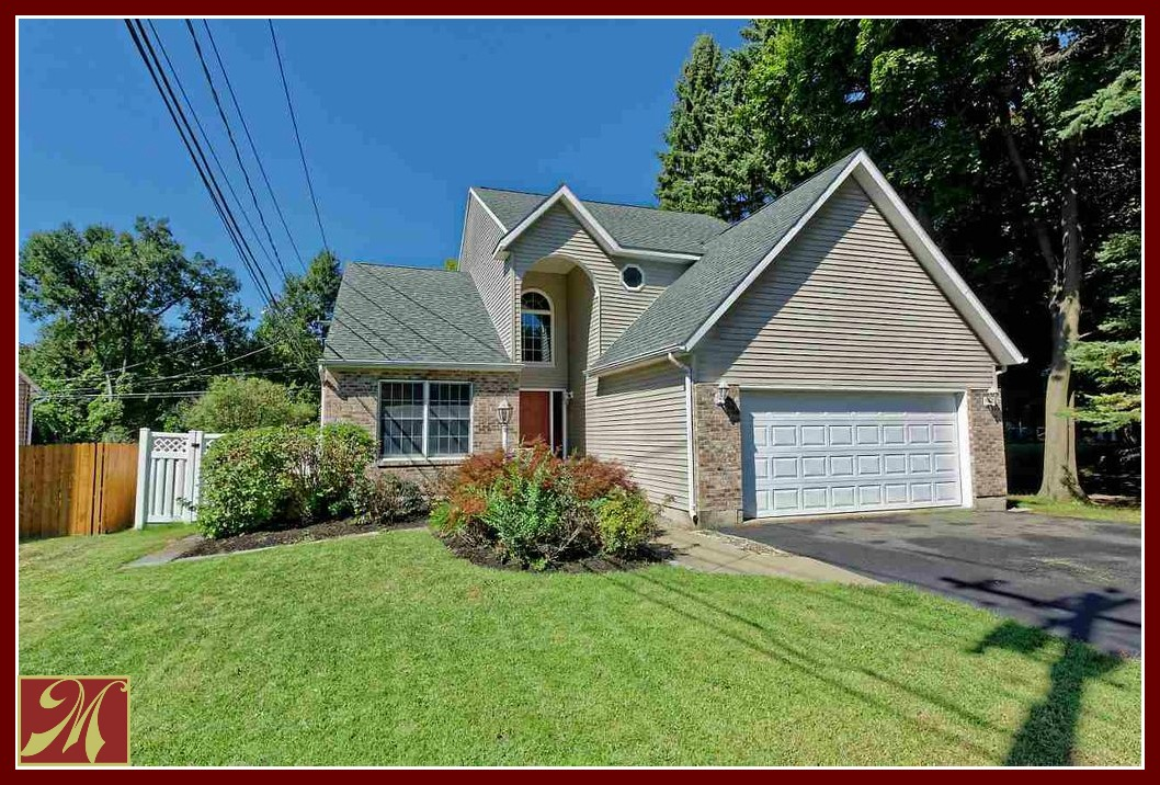 Cohoes NY Homes for Sale - A vast choice of condominiums, townhouses and single family homes just for you here in Cohoes, NY.