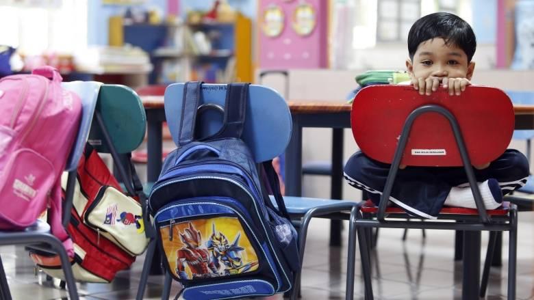 school-backpacks.jpg