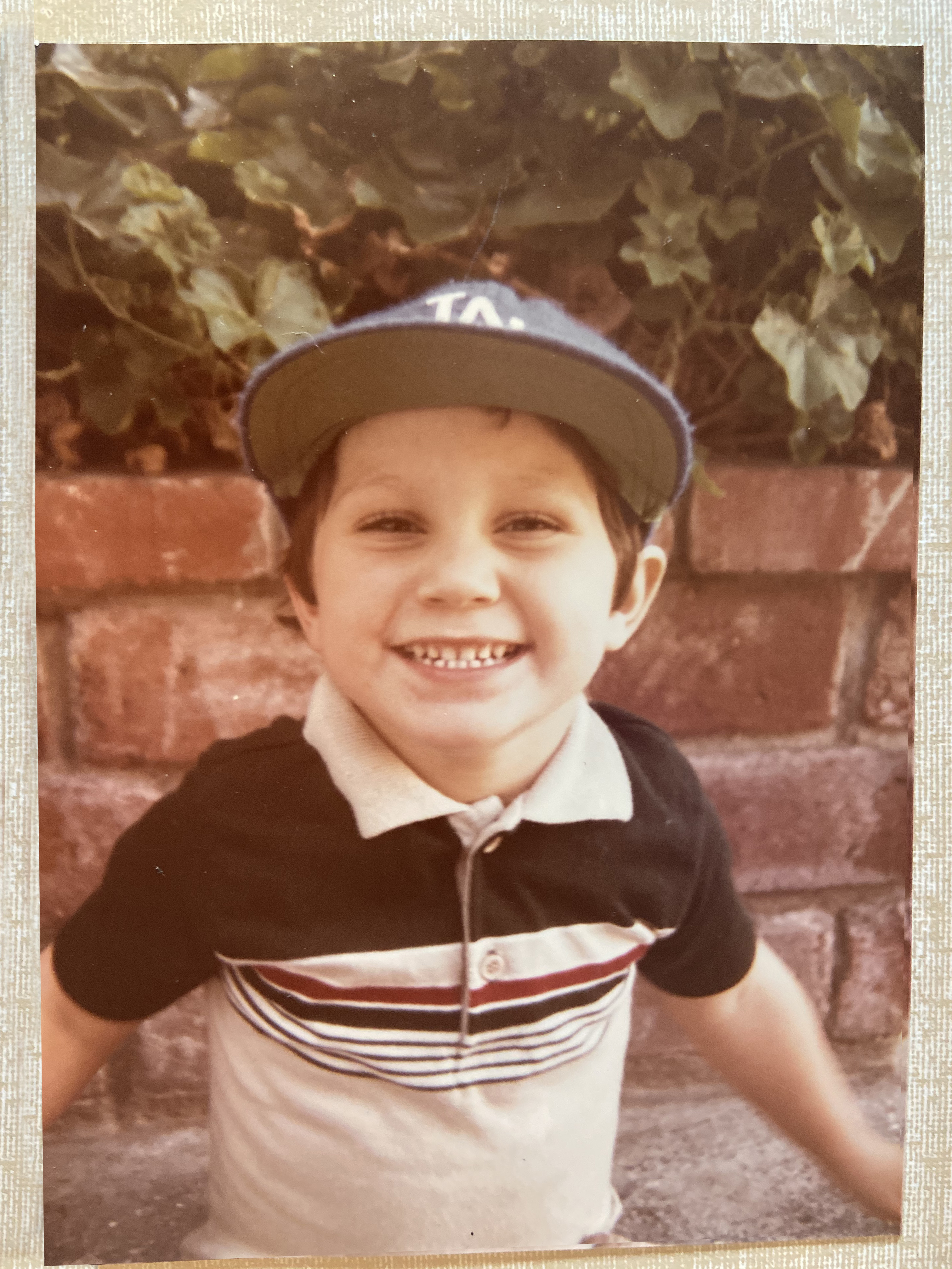smiling-child-in-dodgers-hat