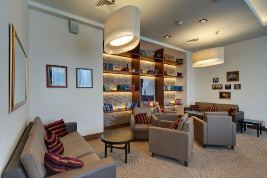 Staybridge_Suites_the-den-library.jpg