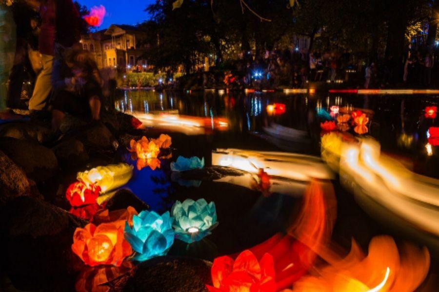 water_lanterns.jpg