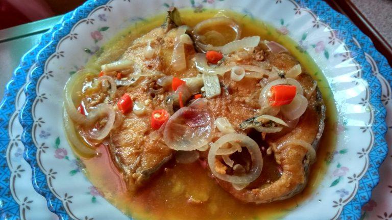 Lauk pantang ikan tenggiri masak asam