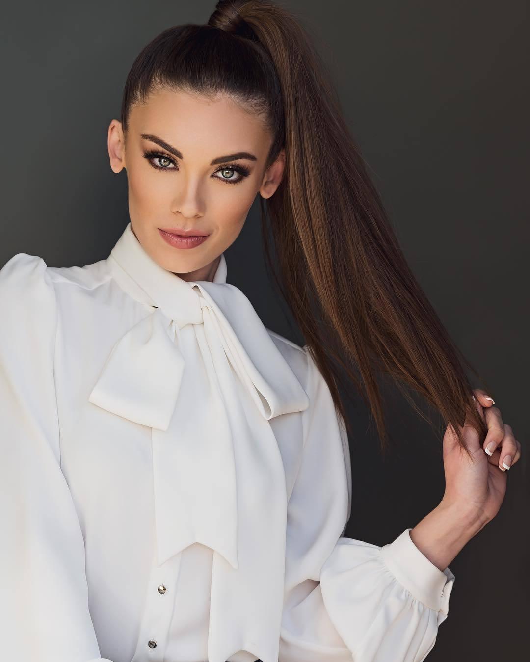 alyssa klinzing, miss kansas 2019. - Página 16 57325340_2157336077683981_9132712985849689431_n