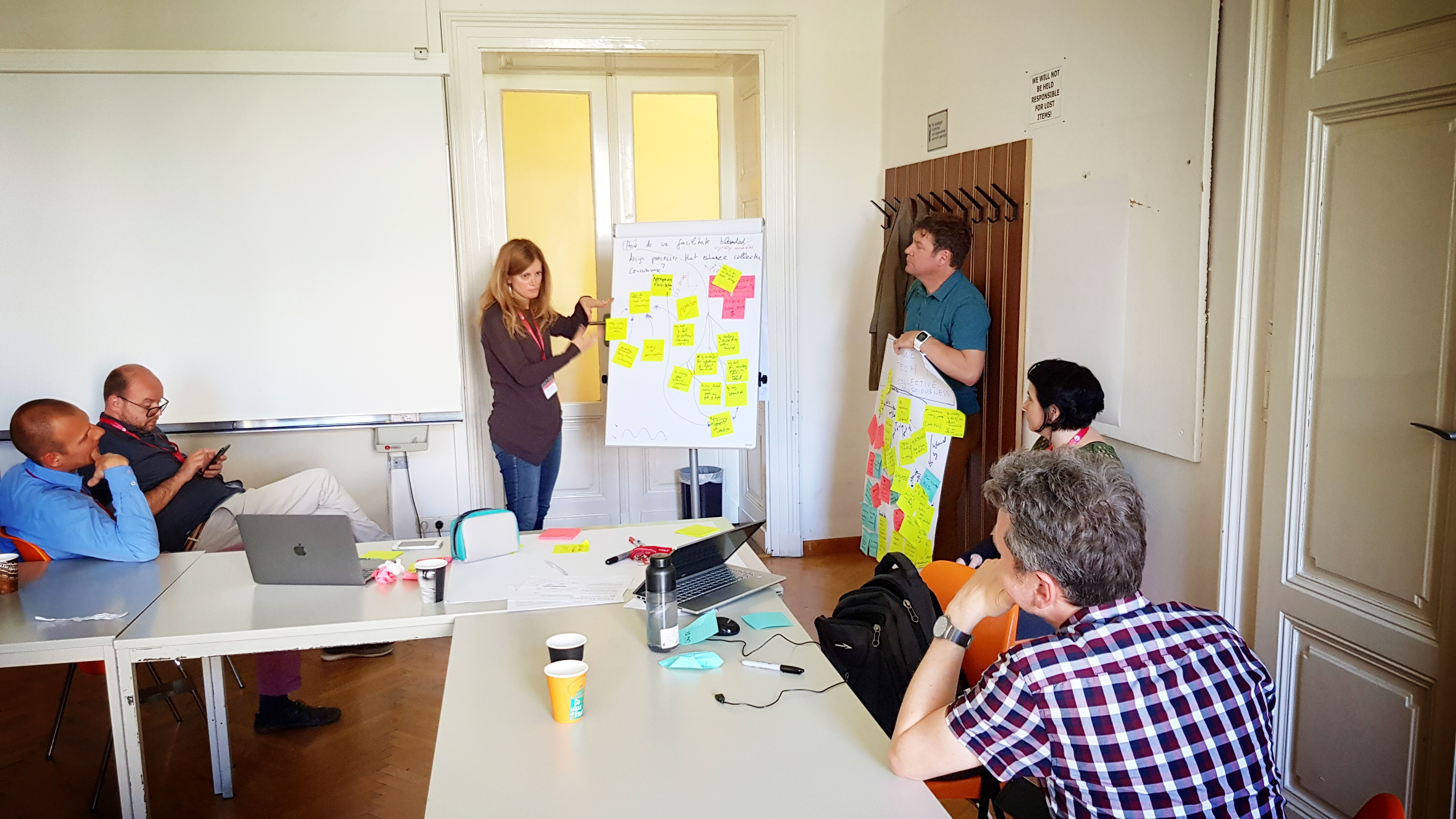 Anna De Liddo leading the concept mapping activities of the collective consciousness workshop