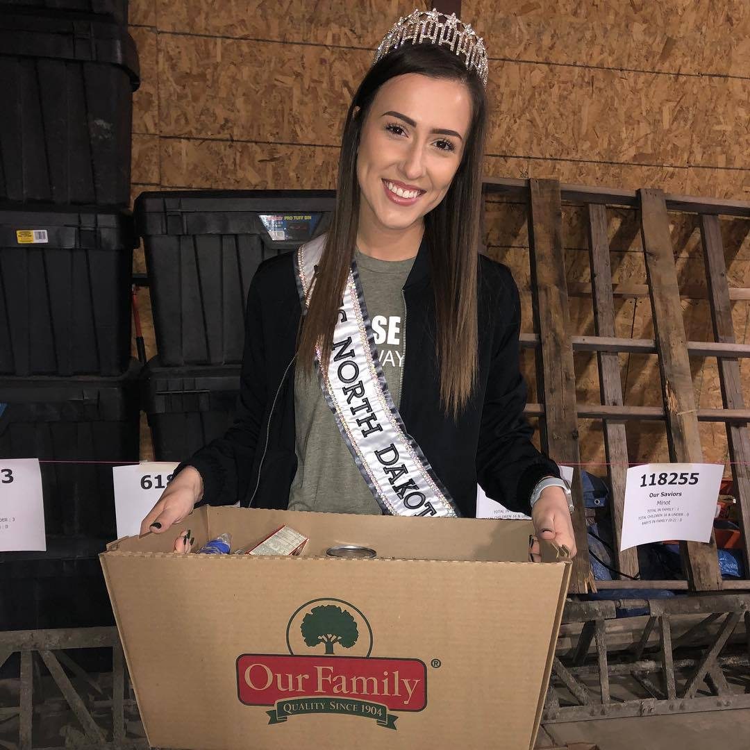 samantha redding, miss north dakota 2019. - Página 2 47506073_143545419964019_8510218500592085457_n