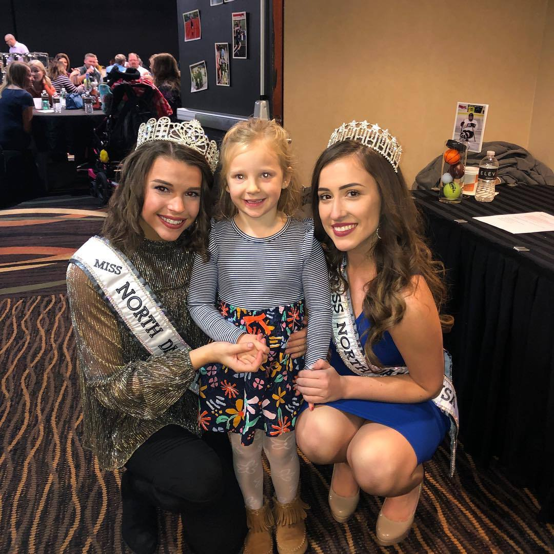samantha redding, miss north dakota 2019. 44671663_618768761858657_5670159507238715974_n