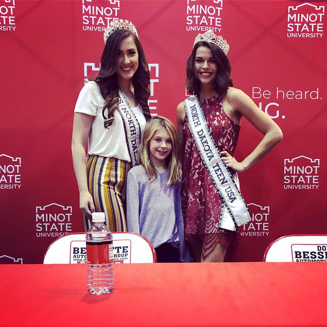samantha redding, miss north dakota 2019. - Página 2 46332104_1234223086718107_4705222341521185243_n
