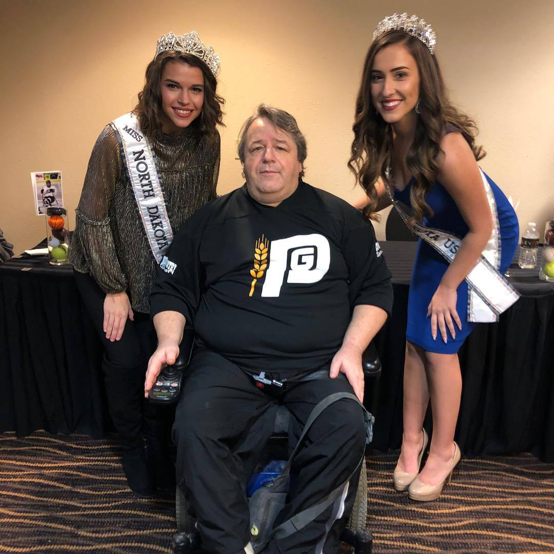 samantha redding, miss north dakota 2019. 44500427_203082483832394_7301932883265855820_n