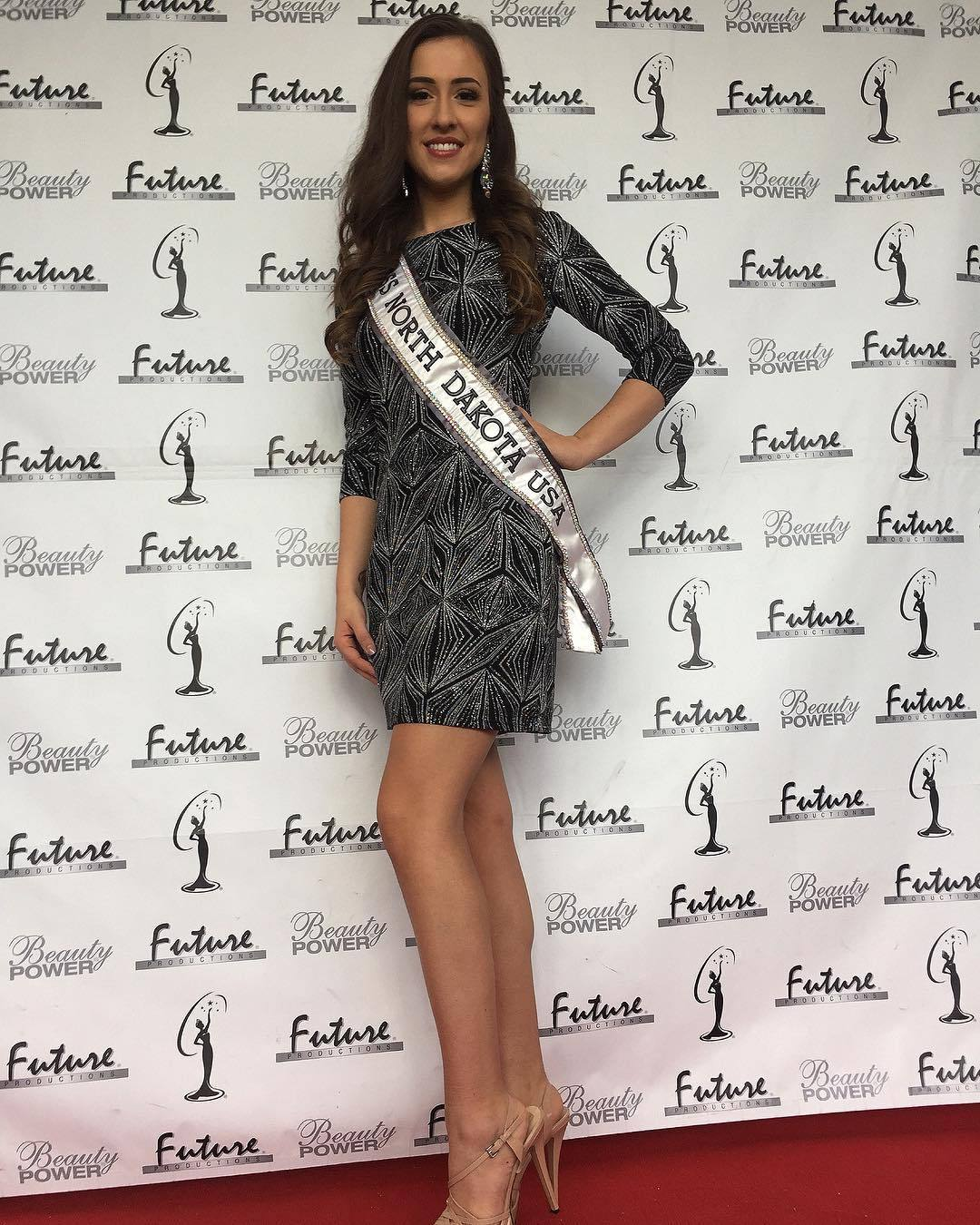 samantha redding, miss north dakota 2019. 46319714_194571671478854_6505184865190321259_n