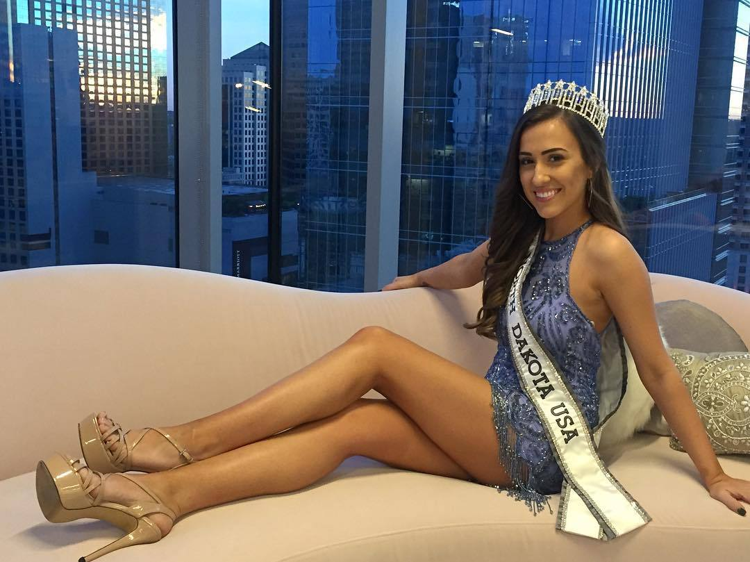 samantha redding, miss north dakota 2019. - Página 2 46937110_357075511743923_3098868906374105943_n