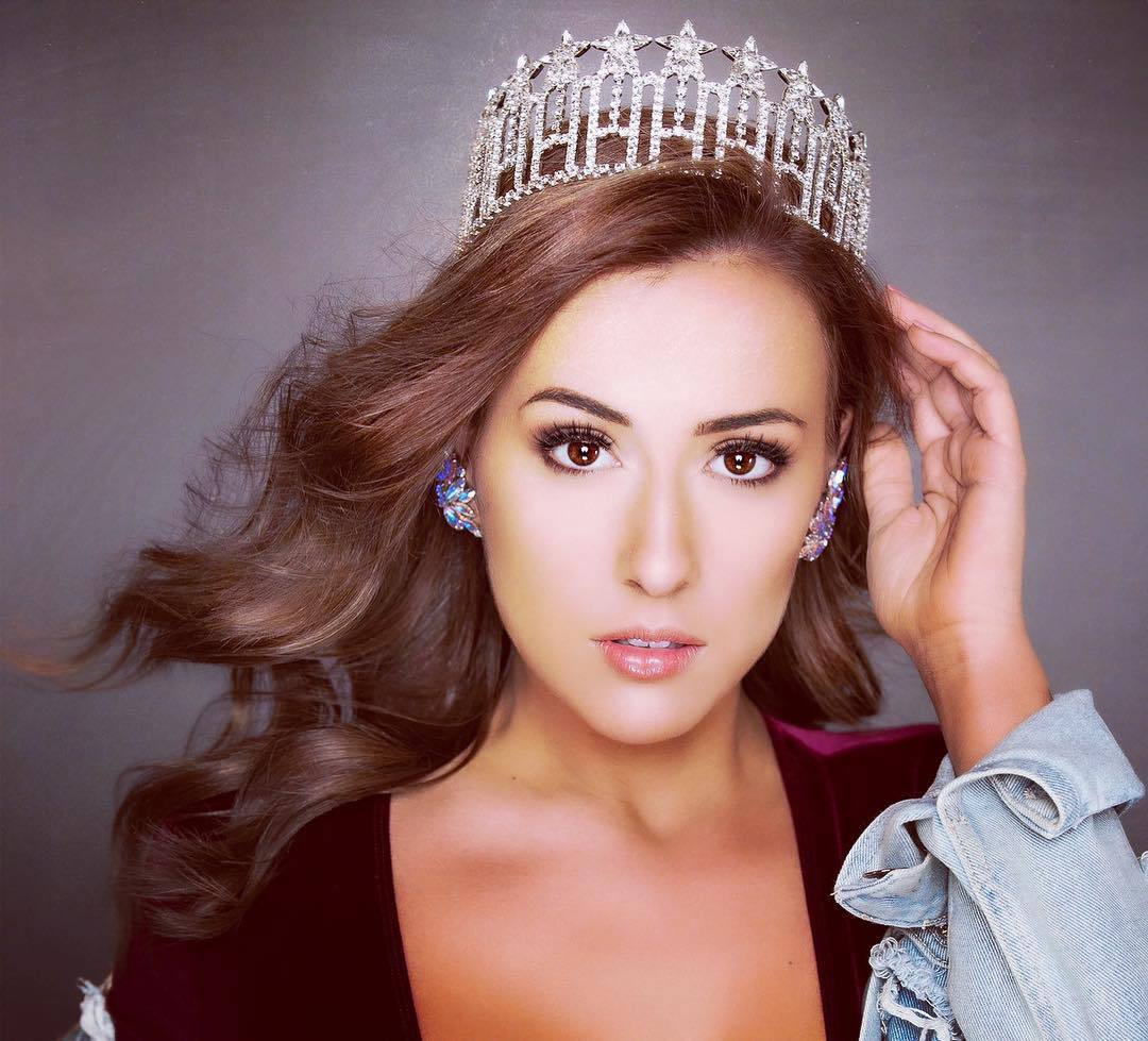 samantha redding, miss north dakota 2019. 57558566_346095612702193_5593880896524714365_n