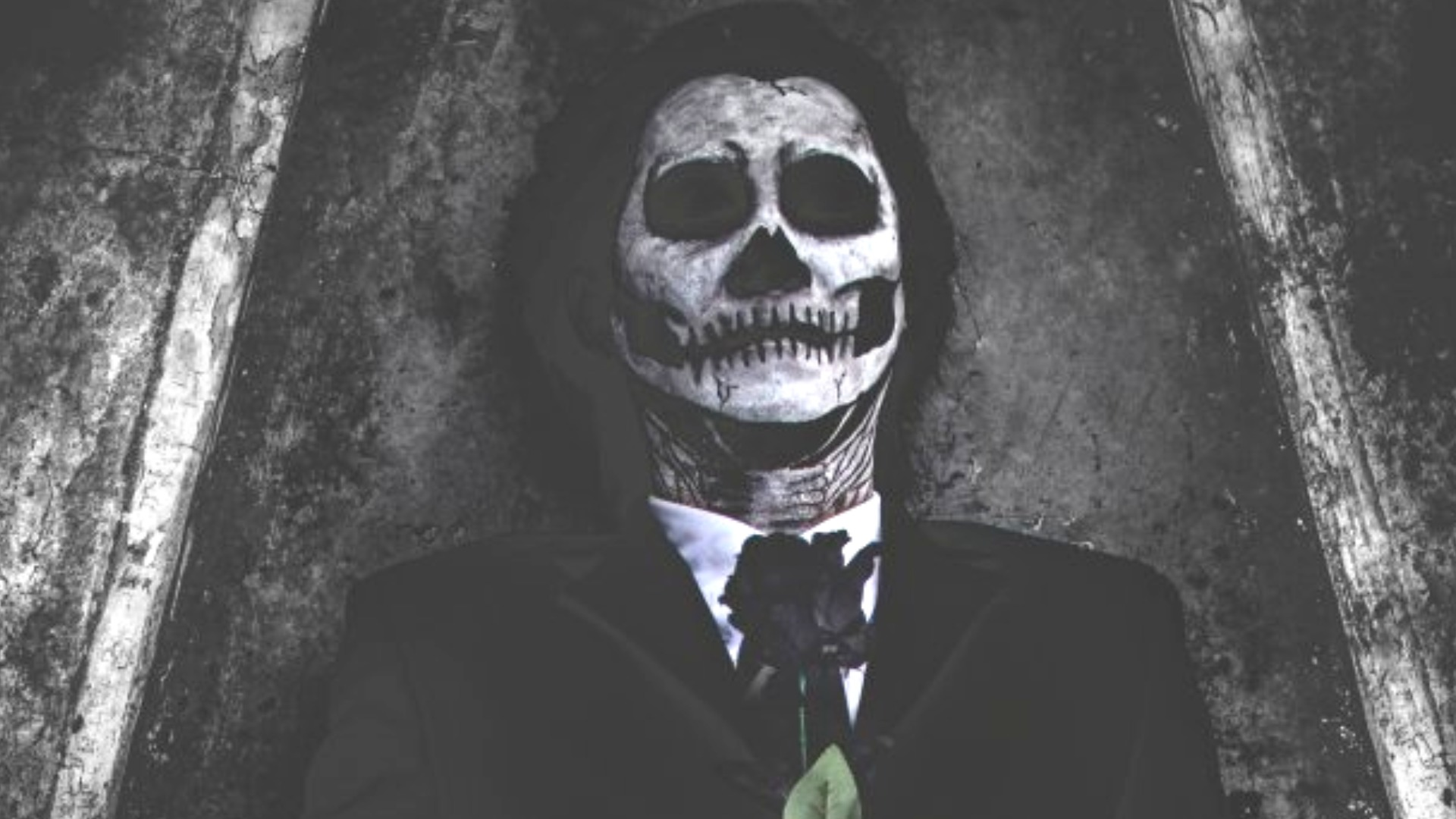 What Really Happens To Your Body After One Year In A Coffin