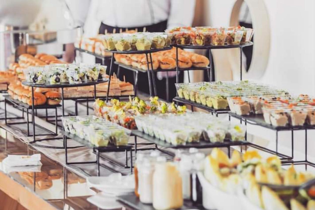 PAD 2 Buffet dînatoire ou repas servi pour votre mariage marocain ?.png