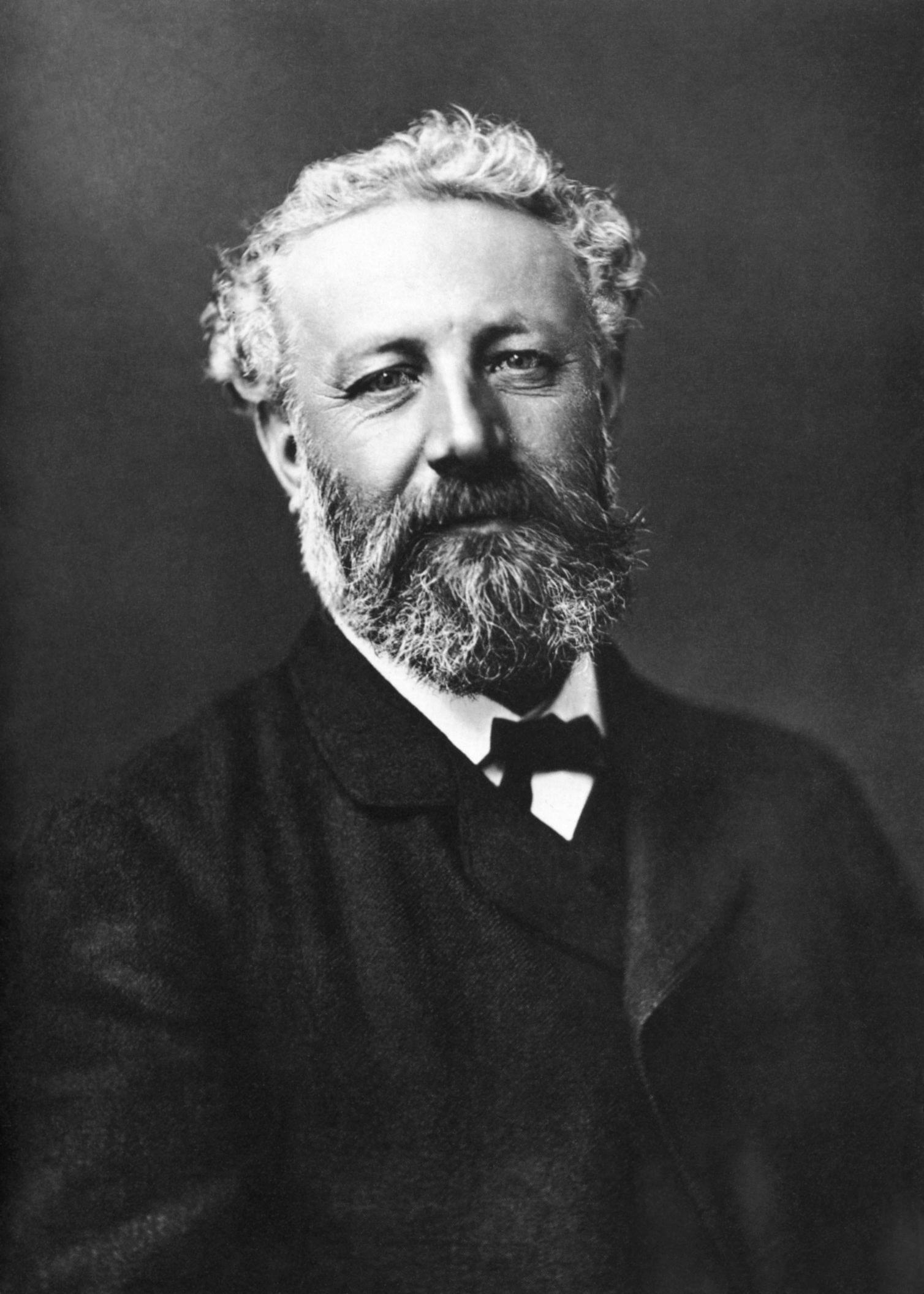 Jules Verne (Nadar, Public domain, via Wikimedia Commons)